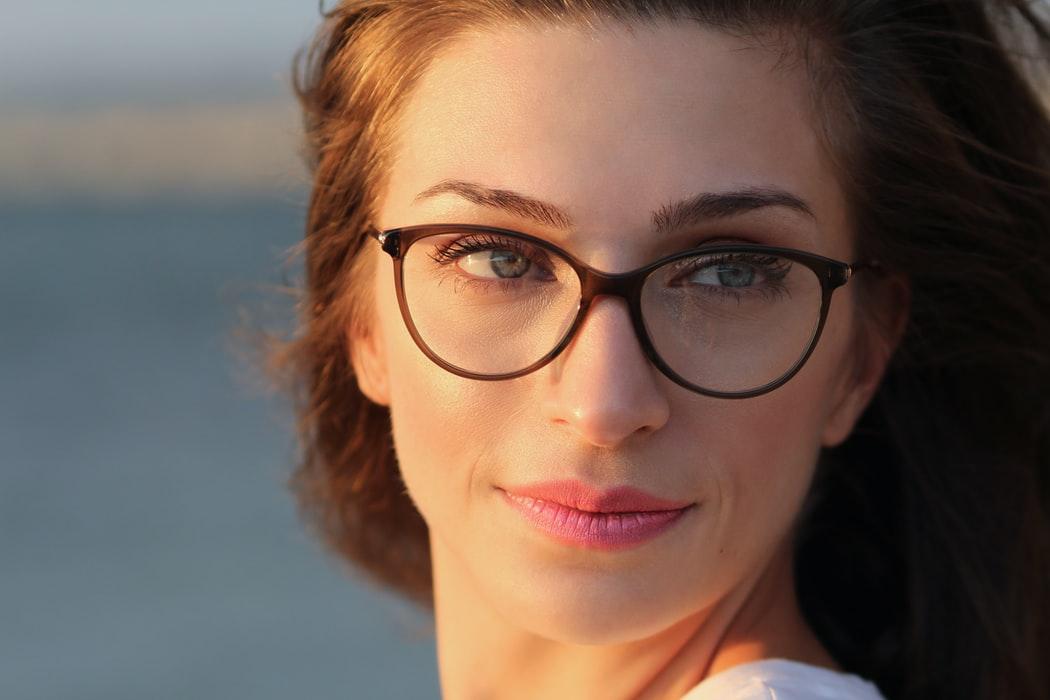 Read more about the article ¿Cómo elegir el mejor aro según tu tipo de rostro?